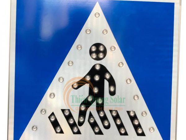 Đèn tín hiệu cho người đi bộ năng lượng mặt trời TQS-101A