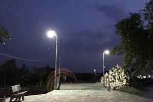 Đèn treo tường năng lượng mặt trời TQS-T15W